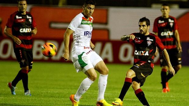 escudero vitória Portuguesa série A (Foto: Edson Ruiz / Agência Estado)