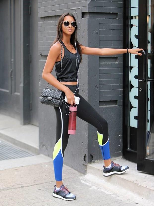 Lais Ribeiro é flagrada chegando à academia em NY (Foto: Splash News)