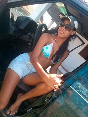 Ruty Lúcia Silva de Azevedo, de 19 anos, foi uma das vítimas da chacina (Foto: Reprodução/Facebook)