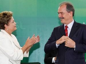 A presidente Dilma e ministro-chefe da Casa Civil, Aloizio Mercadante, durante cerimônica de posse, em Brasília (Foto: Roberto Stuckert Filho / PR)