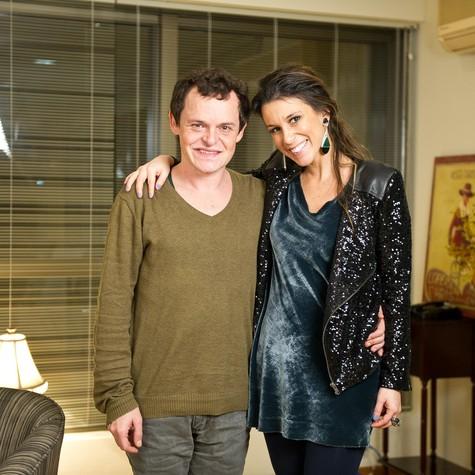 Matheus Nachtergaele e Sarah Oliveira no 'Viva voz' (Foto: Divulgação)