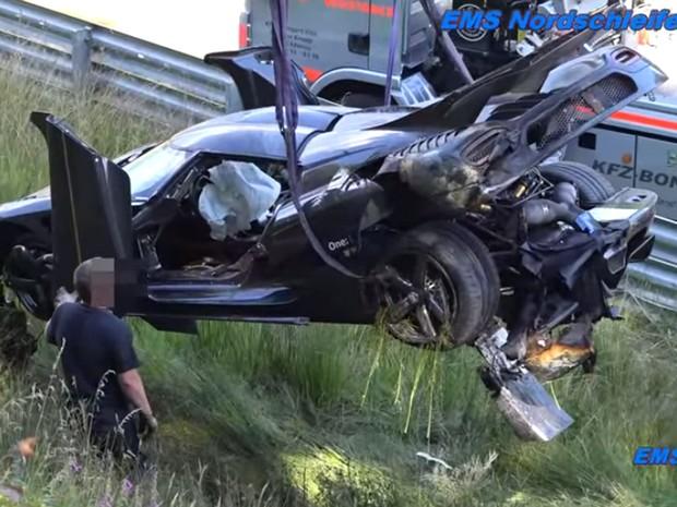 Koenigsegg One:1 sofre acidente em Nürburgring (Foto: Reprodução/YouTube/EMS Nordschleife TV)