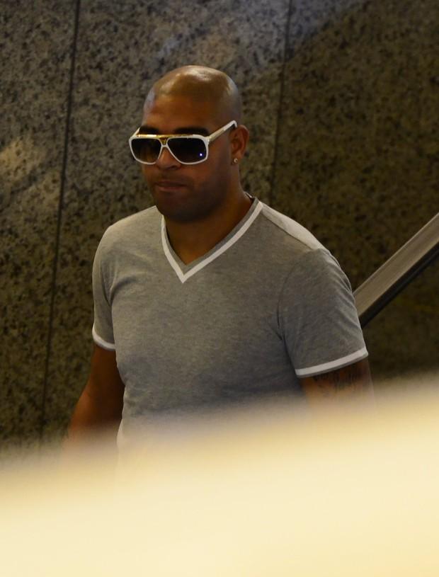 Adriano (Foto: Henrique Oliveira/AgNews)