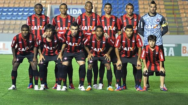 Atlético-PR vence o Barueri fora (Foto: Gustavo Oliveira/Site oficial do Atlético-PR)