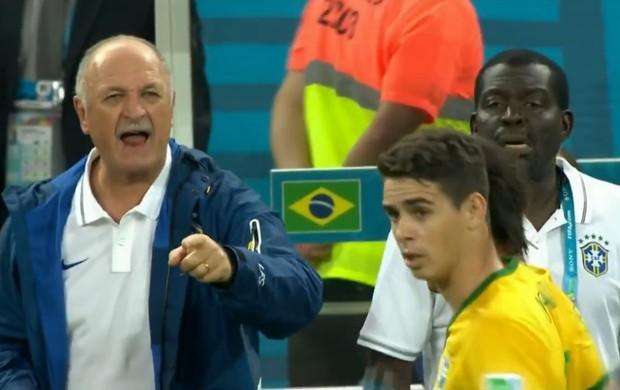 Felipão grita para Oscar, no primeiro gol (Foto: Reprodução SporTV)