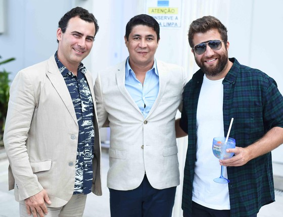 Arnaldo Faissol, o querido promoter Diógenes Queiroz e o empresário André Barros, da Party Industry, que produziu o agito  (Foto: Divulgação)