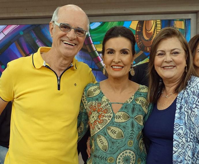 O ator Marcos Caruso com a Fátima e sua professora  (Foto: Carolina Morgado/Gshow)