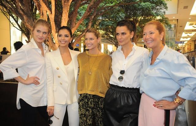 Celina Locks, Mariana Rios, Helena Bordon, Fernanda Motta e Donata Meirelles (Foto: Bruna Guerra)