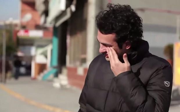Vizinhança faz surpresa incrível para deficiente auditivo