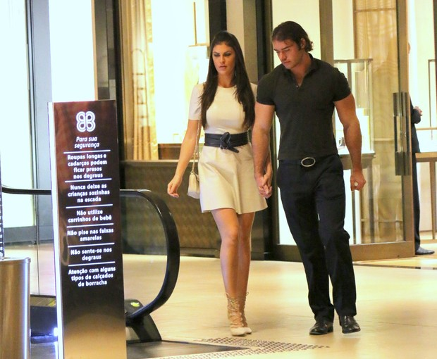 Thor Batista com Namorada (Foto: AgNews)