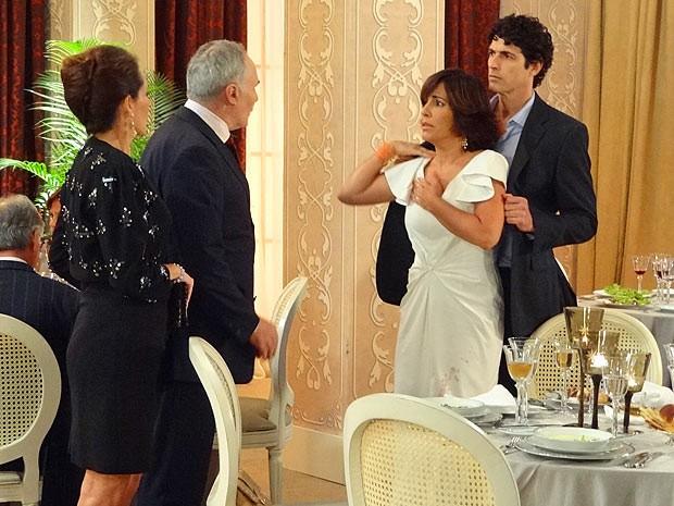 Empresária precisa encarar um não do investidor (Foto: Guerra dos Sexos / TV Globo)