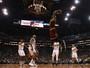 Embalados por trio LeBron, Irving e Love, Cavs seguram reação dos Suns