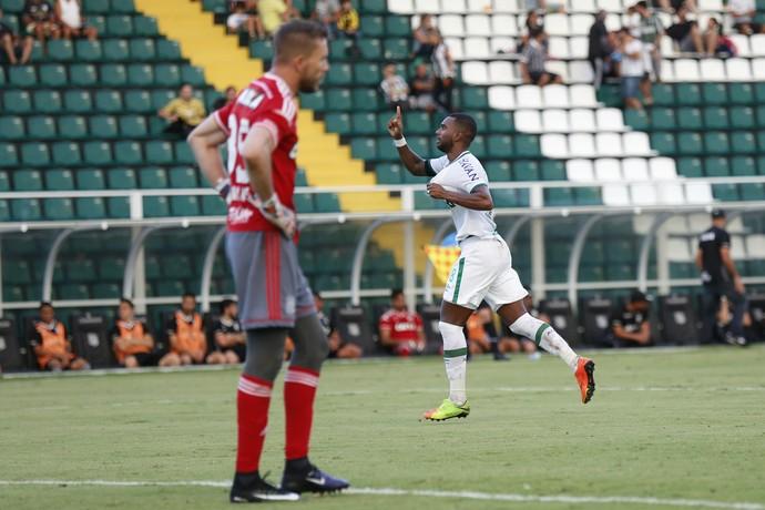Luiz Antonio contra o Figueirense (Foto: Fernando Remor/Mafalda Press/Estadão Conteúdo)