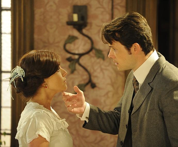 Priscila e o ator Daniel Dalcin, seu par na novela Lado a Lado (Foto: Renato Rocha Miranda / TV Globo)