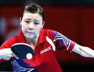 Ariel Hsing na partida de tênis de mesa em Londres (Foto: AP)