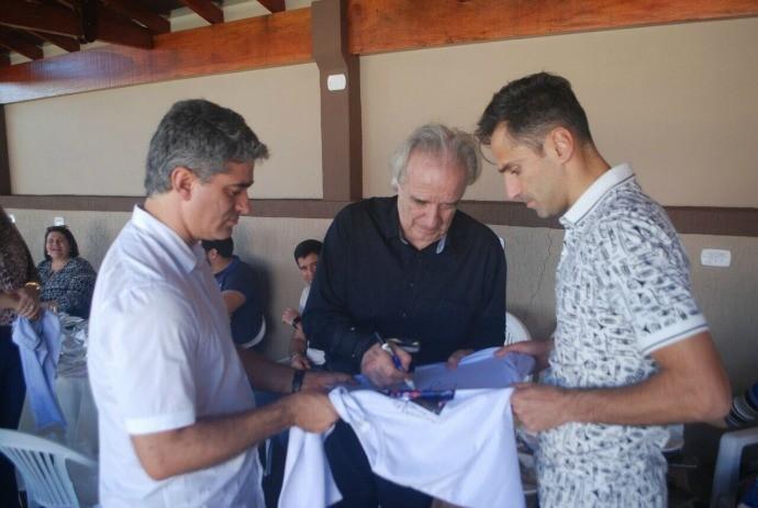 BLOG: Antes de voltar ao Benfica, Jonas faz evento com maestro João Carlos Martins