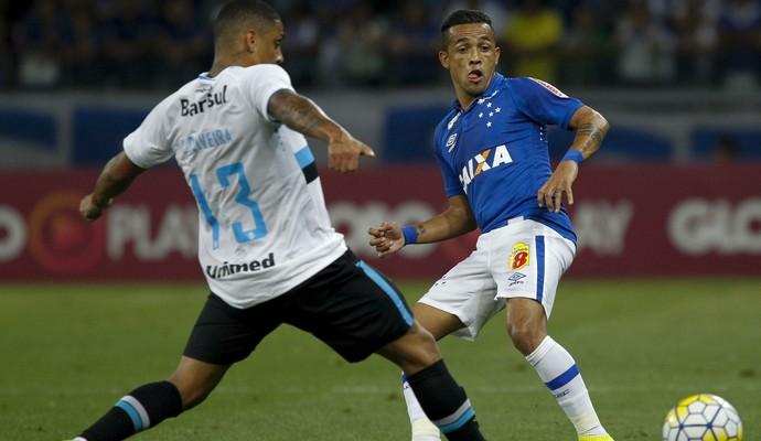 Rafinha, Cruzeiro x Grêmio (Foto: Washington Alves/Light Press)