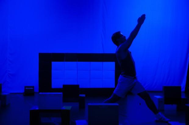 Artista usa e abusa das cores durante apresentação (Foto: Divulgação)