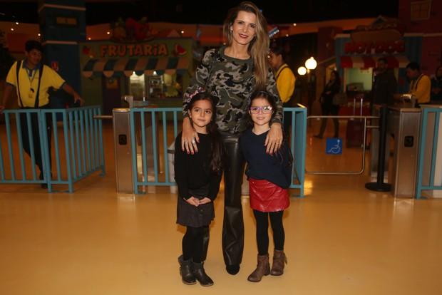 Flavia Fonseca e filhas Isabella e Helena (Foto: Iwi Onodera/EGO)