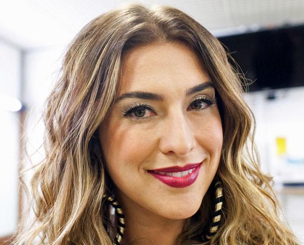 Fê Paes Leme e os profissionais que cuidam de sua beleza sempre dão boas dicas (Foto: Dafne Bastos/TV Globo)