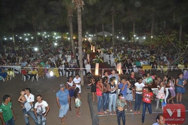 A produção do evento calcula que entre 5 e 6 mil pessoas presenciaram o enlace (Foto: Divulgação/Sergio Alves Portal V1)