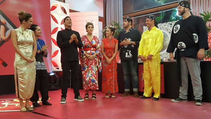Turma que participa do desafio do hashi: Rafa Brites também teve a companhia do Rocco! (Foto: Ivo Madoglio/TV Globo)
