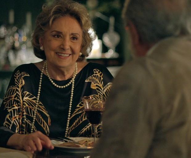 Eva Wilma em cena da novela Verdades Secretas (Foto: Reprodução/Globo)