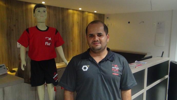 Daivid Bezerra, coordenador da escolinha do Flamengo em Maceió (Foto: Denison Roma / GloboEsporte.com)