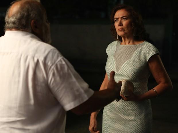 Marta exige ver José Alfredo (Foto: Pedro Curi/ Gshow)