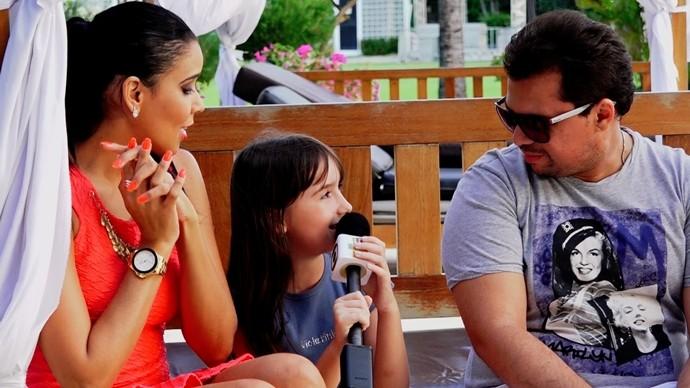 A pequena Sophia mandou variadas perguntas para Xand e Solange. (Foto: Produção / Se Liga VM)