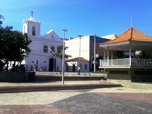 Aluno da UVA reproduz foto da Praça Porto Rocha (Foto: André Abrantes)