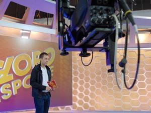 Leifert não usa recurso de texto pronto nas apresentações (Foto: Zé Paulo Cardeal/TV Globo)