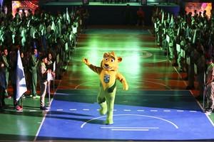 Ginga, mascote do Time Brasil na abertura dos Jogos Escolares da Juventude (Foto: Divulgação/(COB))