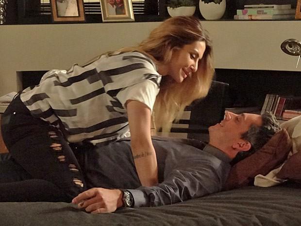 Stenio quer casar de novo. Será que Bianca topa? (Foto: Salve Jorge/TV Globo)