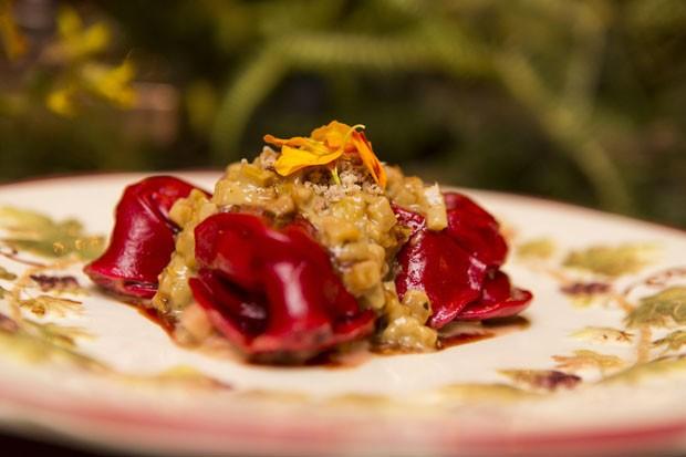 Um jantar com jardim sensorial, por Vamos Receber (Foto: Julio Acevedo)