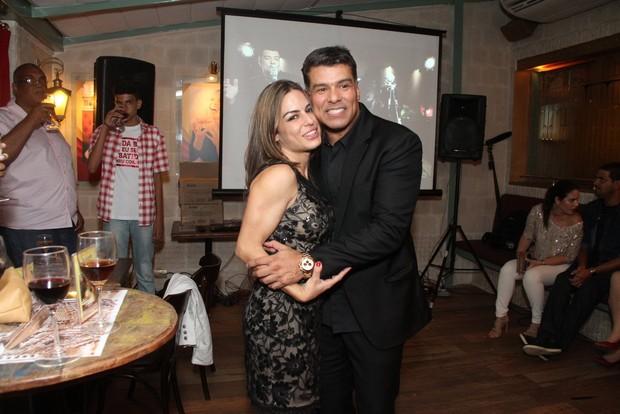 Maurício Mattar e a namorada, Bianca Assumpção, em restaurante na Zona Oeste do Rio (Foto: Thyago Andrade/ Foto Rio News)