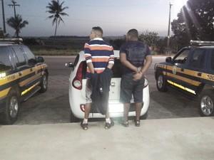 Dupla é natural da Bahia, segundo Polícia Rodoviária Federal (Foto: Ascom/PRF)
