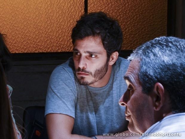 William fica tenso com o anúncio de Líder Jorge (Foto: Felipe Monteiro/TV Globo)