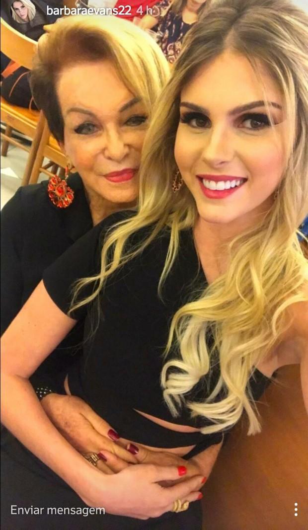 Bárbara Evans e a avó dona Conceição, mãe de Monique (Foto: Reprodução/Instagram)