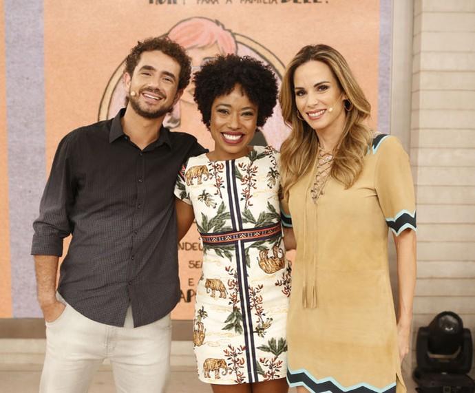 Felipe Andreoli, a atriz Mariana Nunes e Ana Furtado nos bastidores  (Foto: Ellen Soares/Gshow)