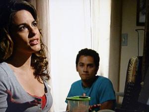 Luciana joga papo para Omar (Foto: Malhação / TV Globo)