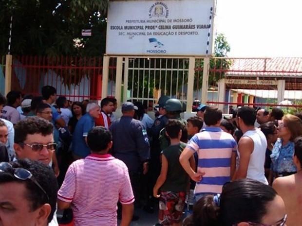 Eleitor é morto a tiros dentro de escola durante votação no RN (Foto: Marcelino Neto/G1)