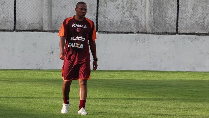 Lima, atacante do CRB (Foto: Denison Roma/GloboEsporte.com)