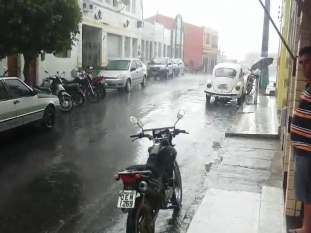 Precipitação da chuva começou no início da tarde  (Foto: Divulgação/José Cleberson)