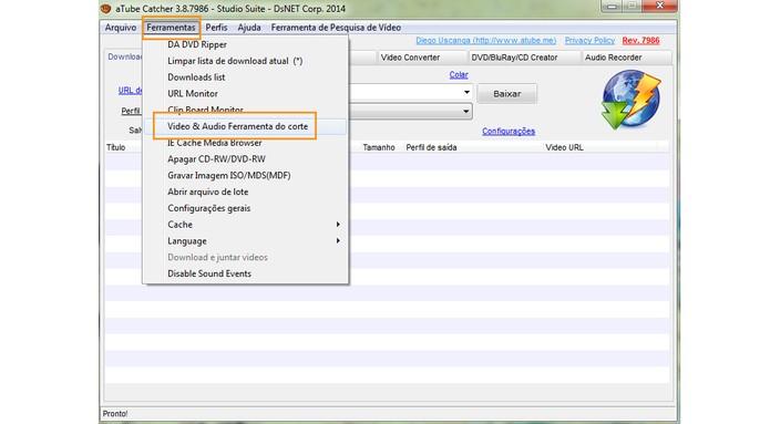 Abra o aTube Catcher e selecione a ferramenta de corte no menu (Foto: Reprodução/Barbara Mannara)