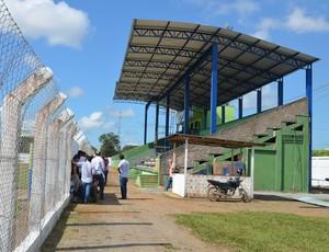 Nova cobertura do estádio Valerião (Foto: Eliete Marques)