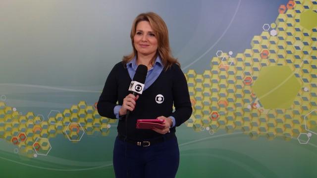 Vanessa Faro na redação do Gonzaga (Foto: Priscila Martinez)