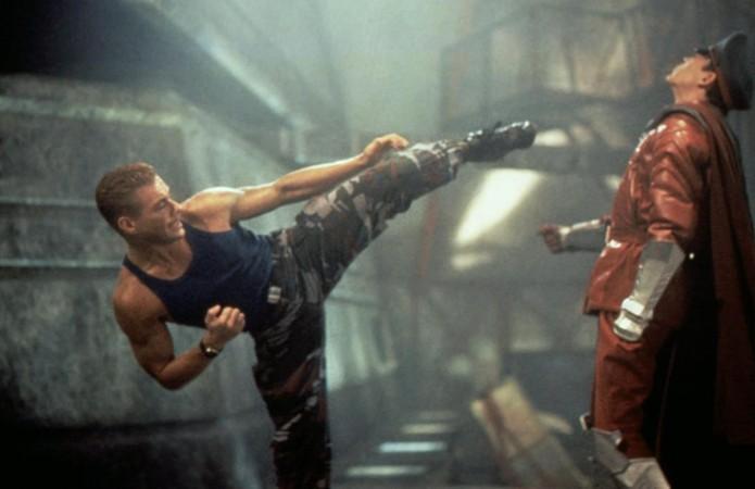 Jean-Claude Van Damme como Guile enfrenta Raul Julia como M. Bison em Street Fighter: O Filme (Foto: Reprodução/Digital Spy e Moviestore Collection REX)