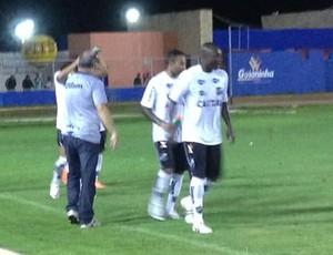 Bruno Luiz - comemoração - ABC (Foto: Carlos Cruz/GloboEsporte.com)
