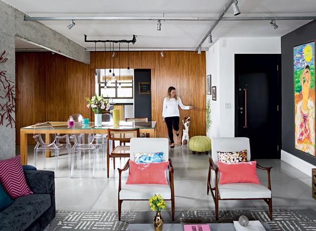 sala-estar-jantar-poltrona-cadeira-Gabriela-Marques (Foto: Edu Castello/Editora Globo)